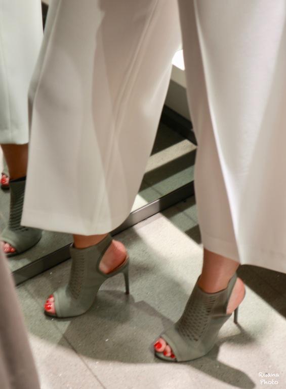 Khaki heels for an accent